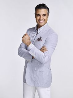 Jane The Virgin -- Image Number: JAV2_Rogelio_2837.jpg -- Pictured: Jaime Camil as Rogelio -- Photo: Nino Muñoz/The CW -- © 2015 The CW Network, LLC. All rights reserved.